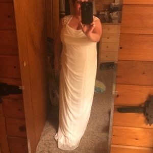 Size 18 wedding gown new without tags